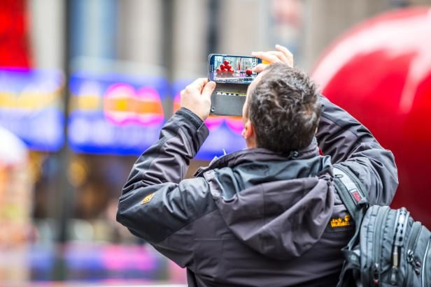 7 Tips to Declutter Your Phone or Tablet | HGTV's Decorating & Design Blog | HGTV