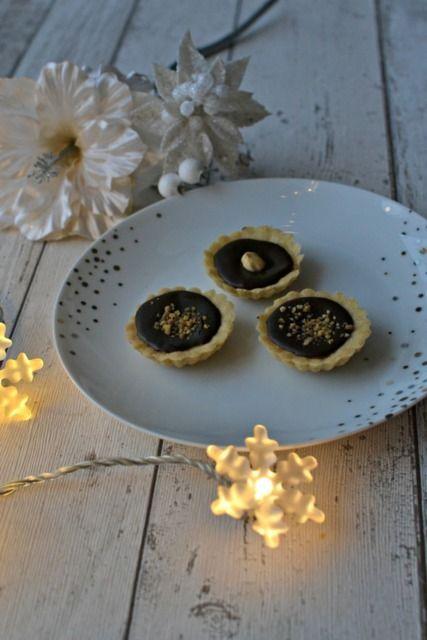 Ořechové košíčky se slaným karamelem a čokoládou | Nuts Tartalettes With Salted Caramel and Chocolate
