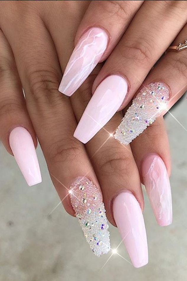 12 Dead Serious Ways to Wear Coffin Nails   Coffin shape