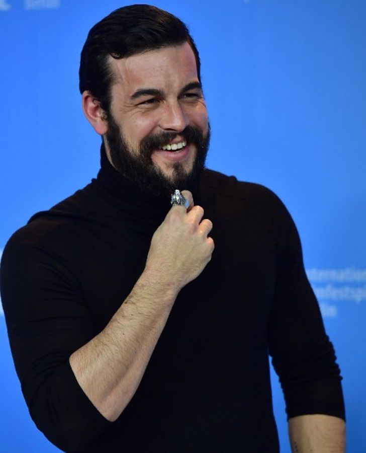 Mario Casas tuvo que subir 12 kilos para un nuevo papel en su próxima película y luce muy distinto