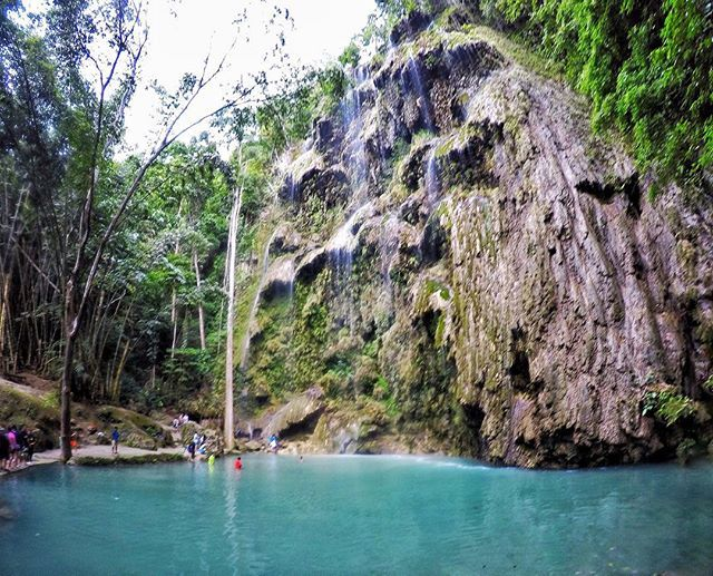 Tumalog . . . . #backpacking #travelgram #iphone #solotravel #sky #backpack #skyporn #travel #minimal #minimalism #rayban #friday #weekday #airasia #sillouette #falls #cebu #philippines #oslob #gopro #hero5 #olympus #moodygrams #igersmy #tumalogfalls by sml.zrn. tumalogfalls #backpack #philippines #moodygrams #hero5 #travel #sky #oslob #weekday #travelgram #friday #cebu #airasia #solotravel #skyporn #olympus #backpacking #minimalism #falls #minimal #rayban #sillouette #iphone #igersmy #gopro…