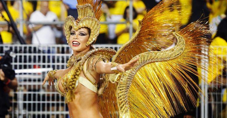 A ex-bbb Cacau Colucci samba pela Dragões da Real, a escola que contou na avenida histórias de coisas inacreditáveis, no poder da recuperação e incentiva os foliões a acreditarem na vitória
