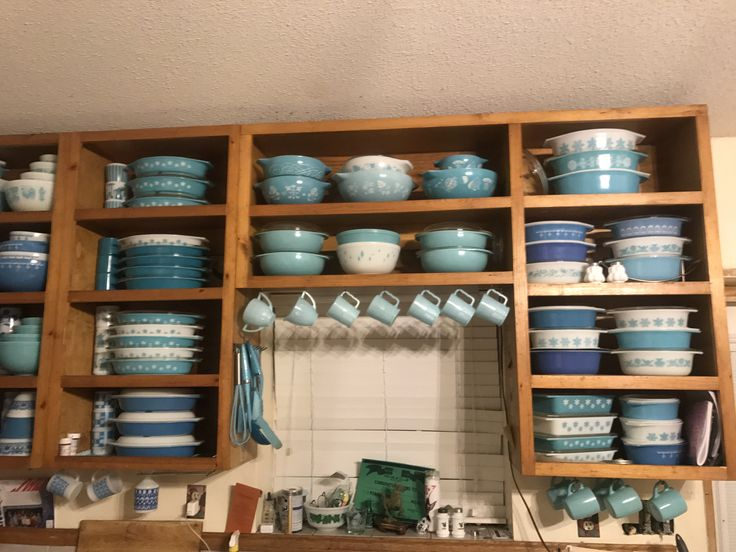 A great way to use and showcase my collections. Can rotate my colors according to season or holiday!