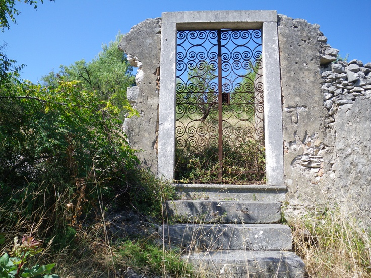 A door to nowhere ; Milna, Croatia