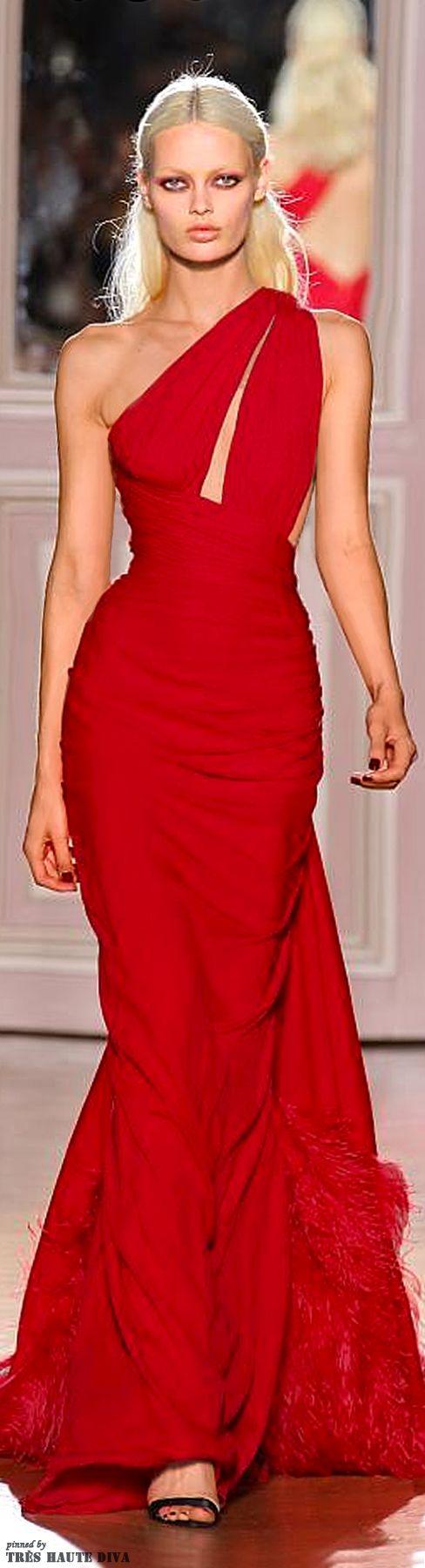 ::::ﷺ♔❥♡ ♤✤❦♡  ✿⊱╮☼ ☾ PINTEREST.COM christiancross ☀ قطـﮧ ⁂ ⦿ ⥾ ⦿ ⁂  ❤❥◐ •♥•*⦿[†] :::: Couture Red Glamour Gown, this must make my wedding gown!!