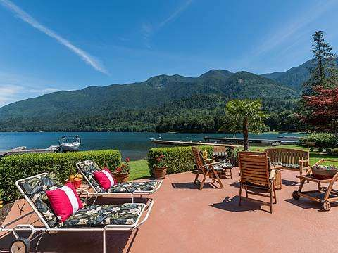 Tucked away in North Cascade Mountains, 100 Kilometres from Vancouver, British Columbia, or 200 Kilometres from Seattle, Washington, is a very special cottage hamlet where family memories are made, called Lindell Beach at Cultus Lake. #luxury #view #home
