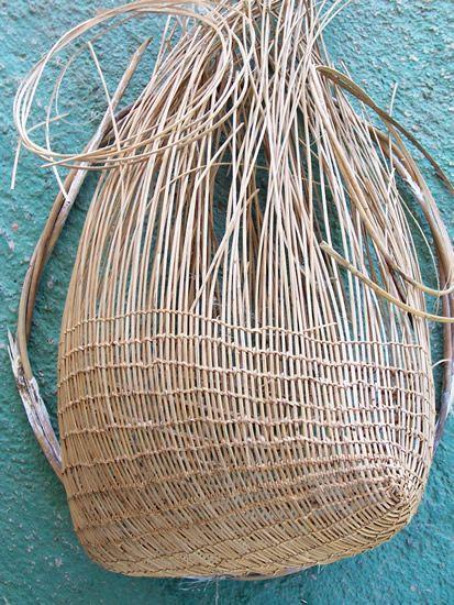 Jawus basket in progress | Art from the Nywaigi, Gugu Badhun, Warrgamay, Warungnu, Bandjin, Girramay, Gulgnay, Jirrbal & Djiru people