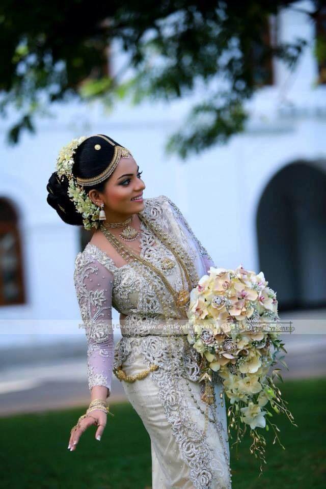 How To Do Kandyan Bridal Makeup : Pin by Tharanga Jayathilaka on Wed in style Pinterest ...