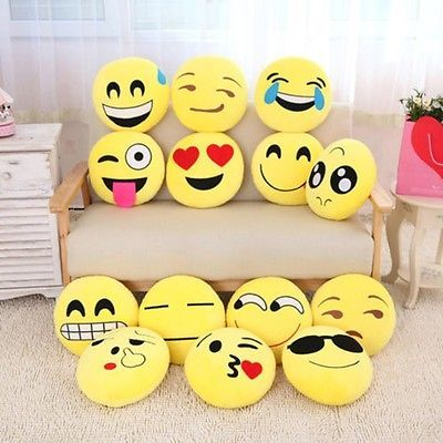 les 10 meilleures id es de la cat gorie peluche emoji sur pinterest cojin emoji sac main. Black Bedroom Furniture Sets. Home Design Ideas