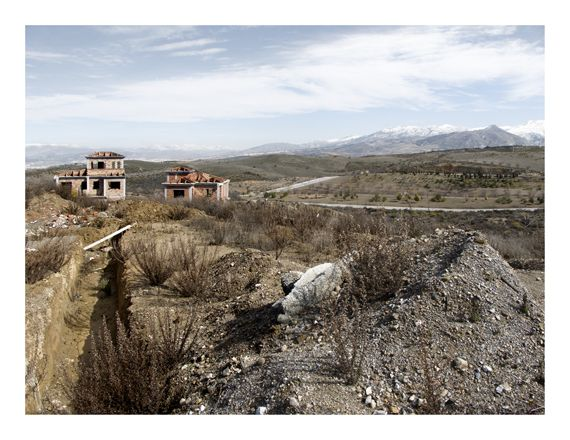 Tocho T8: Julia Schulz-Dornburg (1962): Modern Ruins. A Topography of Profirt(Architekturforum Aedes, Berlín & Fundación ICO, Madrid, 2013)