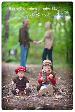 photography poses for large families | The Crafted Sparrow: Top 10 Family Picture Poses  Ideas by ...