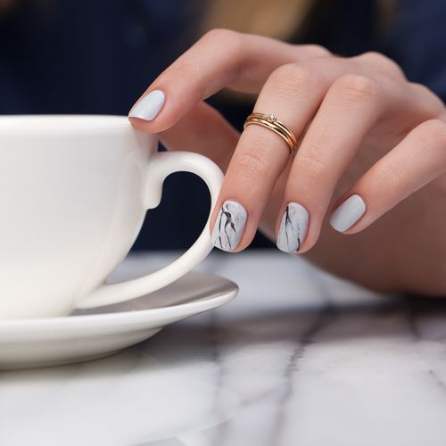 Create This Season's Most Fashionable Marble Nails In Just A Few Minutes