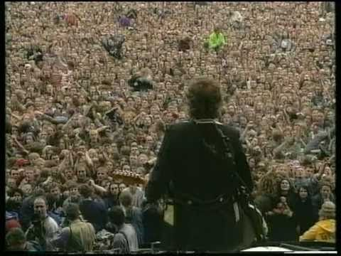 Disarm/Hummer/Geek USA- Pinkpop 1994.  I can't imagine standing on a stage and having hundreds of thousands of people singing the lyrics of your song to you.