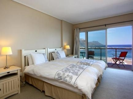 ... opens up directly onto the day area, characterised by large windows with ocean view