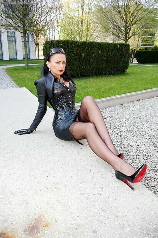147 Best Fetish Diva Nadja Images On Pinterest Boot
