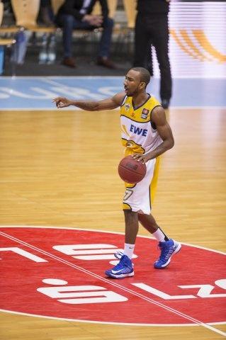 EWE Baskets Oldenburg - WALTER Tigers Tübingen.  Dru Joyce