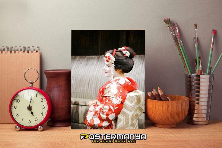 Geyşa Japonya Manzara Posteri... #evdekorasyonu #dekorasyonfikirleri #dekorasyonönerileri #postermanya #poster #afiş #tablo #duvardekoru #wall #homedesign #sevgiliyehediye #posters #tasarım #dekorasyon #kanvas #kanvastablo #hediye #sanat #art #dekor #japonya #japon #geyşa #travel
