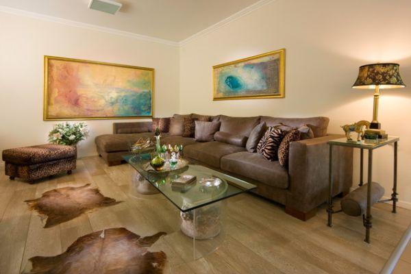 living-room-hunting-theme