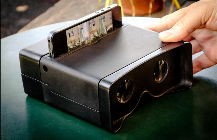 Bearing resemblance to your childhood Viewmaster, The Poppy iPhone 3D Camera uses mirrors and optics to capture two images from slightly different angles that your brain combines to make 3D images. Share your videos straight to Youtube and Flickr to allow other Poppy viewers to experience your 3D creation.