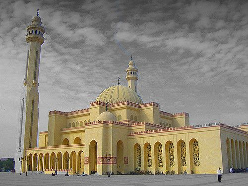https://flic.kr/p/7knvgu | Al Fateh mosque (Manama, Bahrain) | islam in Bahrain represents the 89% of the population  it is the main religion of Bahrain