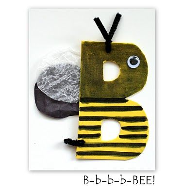 A craft for every letter of the alphabet! - woulda been useful while i was teaching pre-schoolers.... lol