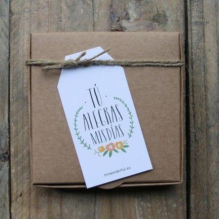 Etiquetas para regalos molones color. Diseño de Mr.Wonderful. A la venta en: http://www.mrwonderfulshop.es