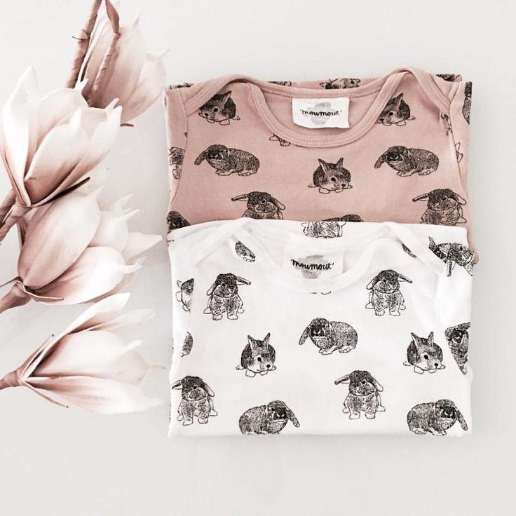 Un t-shirt un point c'est tout!  Malgré la pluie et la grisaille ici il fait assez chaud pour sortir en t-shirt!!!  #ss16 #love #onlyforhappychildren #moumout #mymoumout #rabbitpink #rabbitwhite   Www.mymoumout.com