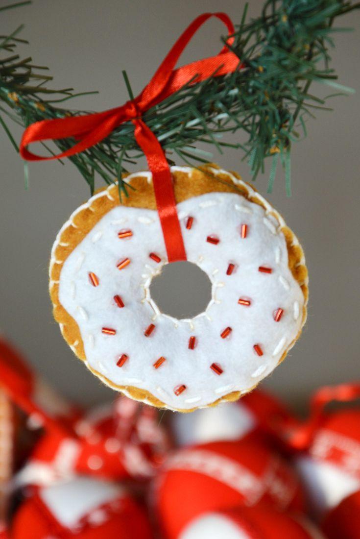 Christmas donut #Christmas #diy #handmade #craft #donut #felt