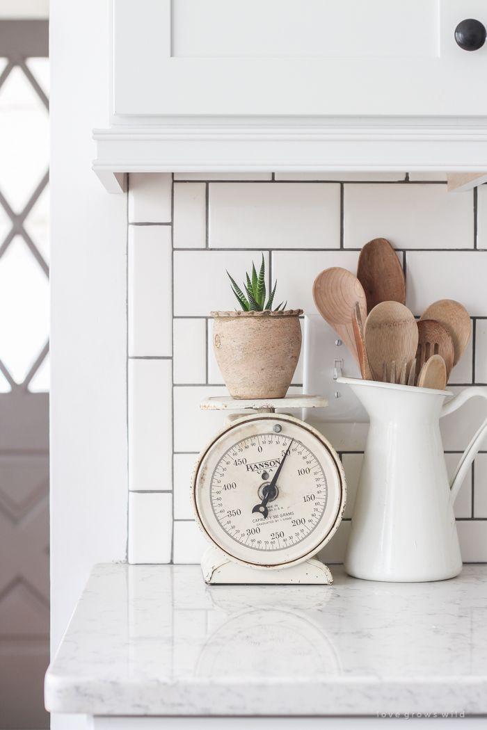 Best 25 White Farmhouse Kitchens Ideas On Pinterest