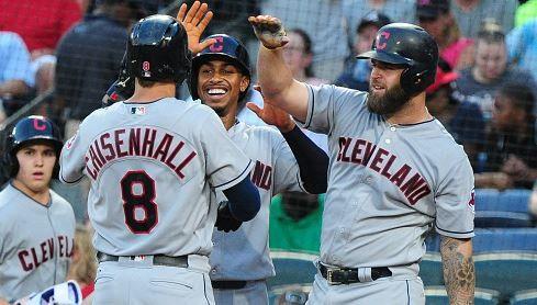 10 in a row: i Cleveland Indians aprono la serie ad Atlanta con un altro successo La corsa dei Cleveland #Indians sembra inarrestabile. Nella notte è arrivato il decimo successo consecutivo grazie ai fuoricampo di Chisenhall e Kipnis. Su MLB Italia