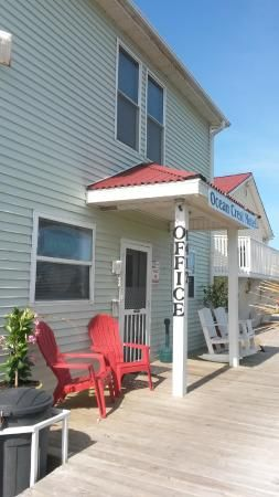 Great Motel. Great place to start and make a new relationship . Our first date and he threw all past relationships with exes into water and started a wonderful life and relationship with me. He has been going to Oak Island since the 80s..
