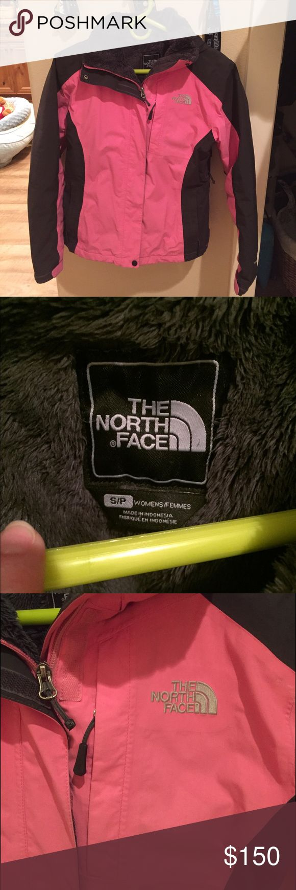 North Face Ladies Jacket Size S This jacket is is Great Condition. Ive had it for a few years now and just don't use it. If you have any questions or if you would like additional pictures please let me know. The North Face Jackets & Coats
