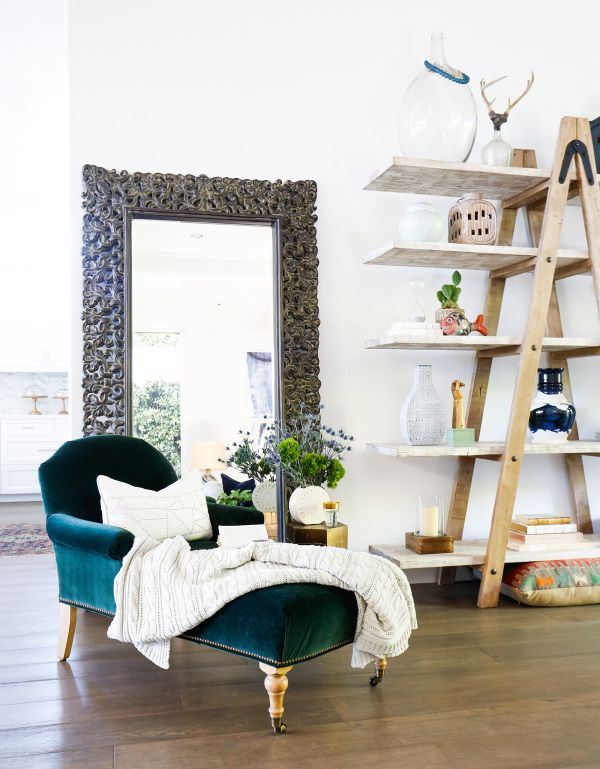 Capricorn has a design that is refined and classic yet sophisticated: http://www.stylemepretty.com/2016/06/29/zodiac-home-decor-horoscope-interior-design/ Photography: Tessa Neustadt - http://tessaneustadt.com/