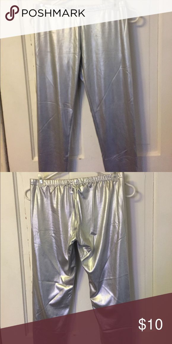 Silver leggings! 🎀 Silver leggings, never worn. Has a few blemishes from sitting in storage. The leggings when folded tend to stick together. Do not fold. Price reflects blemishes. Pants Leggings