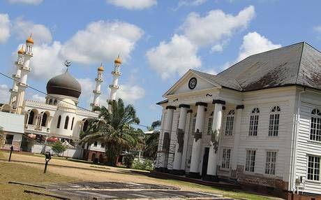 Paramaribo has Buddhist, Hindu and Muslim temples, synagogues and churches.