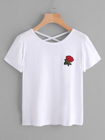 Camiseta de espalda con tiras cruzadas con parche bordado de rosa-Spanish SheIn(Sheinside) Sitio Móvil