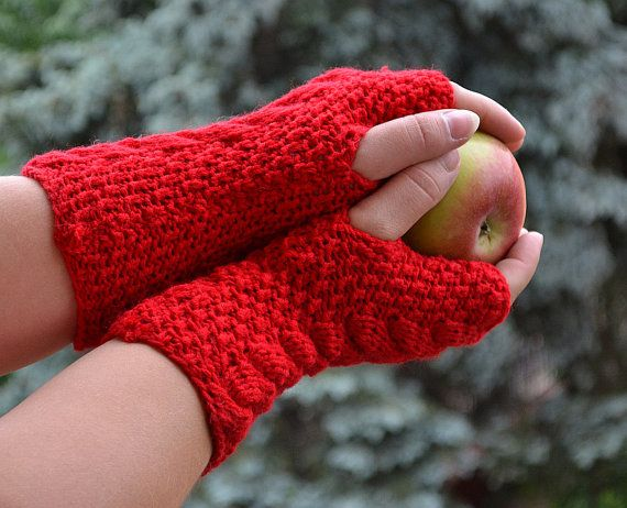 Knitted mittens gloves by DosiakStyle on Etsy