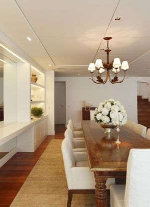 I always, always wanted a huge formal dining room with a big table and lots of chairs like this :) Paola Ribeiro