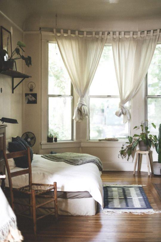 Les 2277 meilleures images du tableau bedroom home decor for Tableau pour chambre parentale