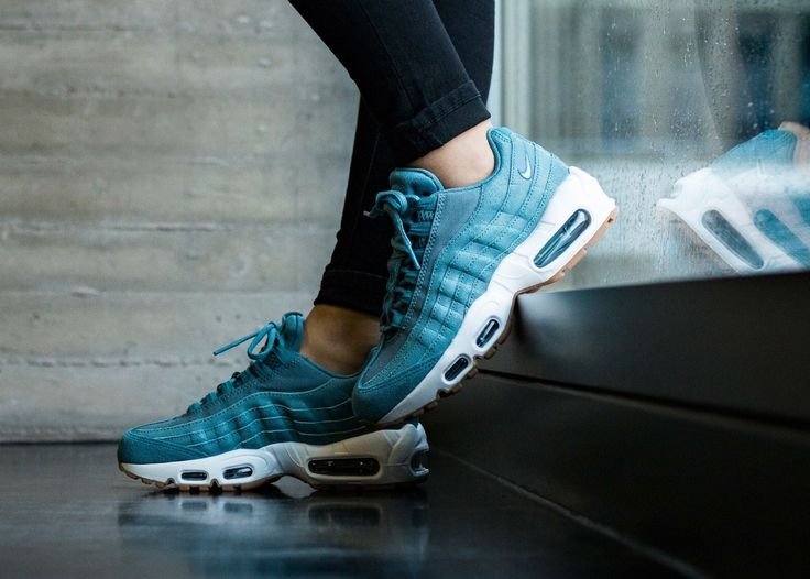 wholesale dealer ddf3c e3b9d 264 best Sneakers Nike Air Max 95 images on Pinterest Air ...