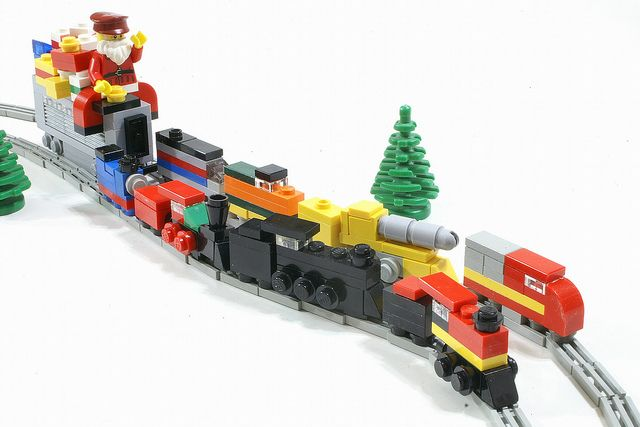 LEGO Santa and Micro-Scale Christmas Train MOC (SavaTheAggie, Flickr)