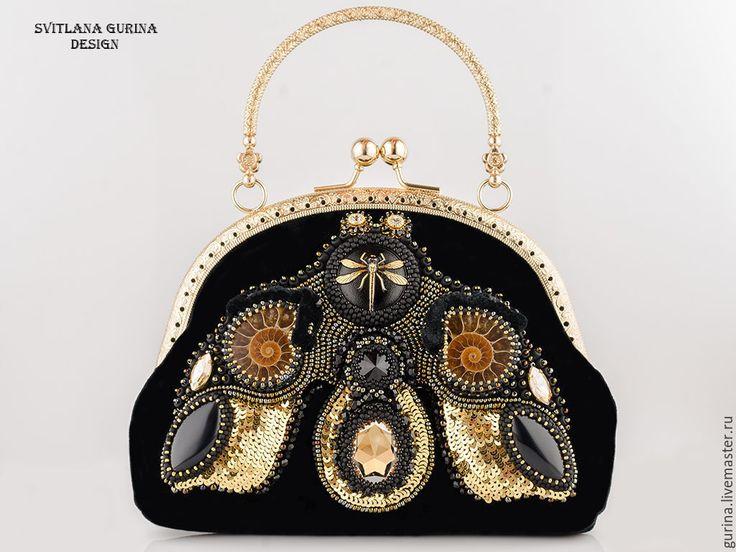 """Купить Вечерняя сумочка черная с золотом """"Стрекоза"""" агаты, аммониты - черный, бархатная сумочка"""