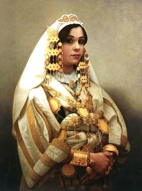 libyan woman, clothing