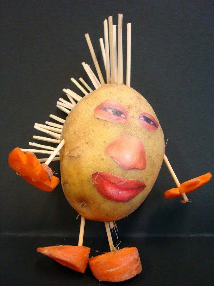 Maak een portretfoto; knip de ogen, neus en mond uit en plak die op een aardappel....verder creatief aankleden met bv wortels, wol.....(tijdschriftfoto kan ook)