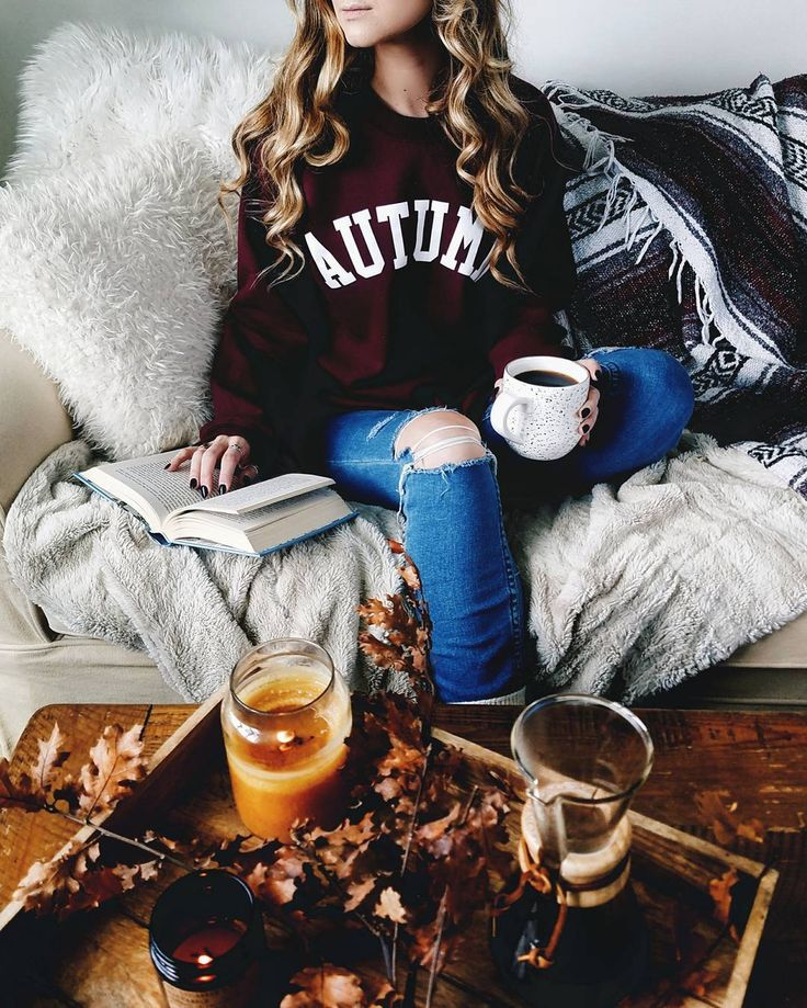 Pinterest: iamtaylorjess | Body • Lazy day outfit • Burgundy Autumn sweater and ripped jeans #fashion