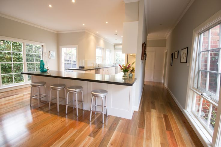 Large contemporary kitchen. www.thekitchendesigncentre.com.au