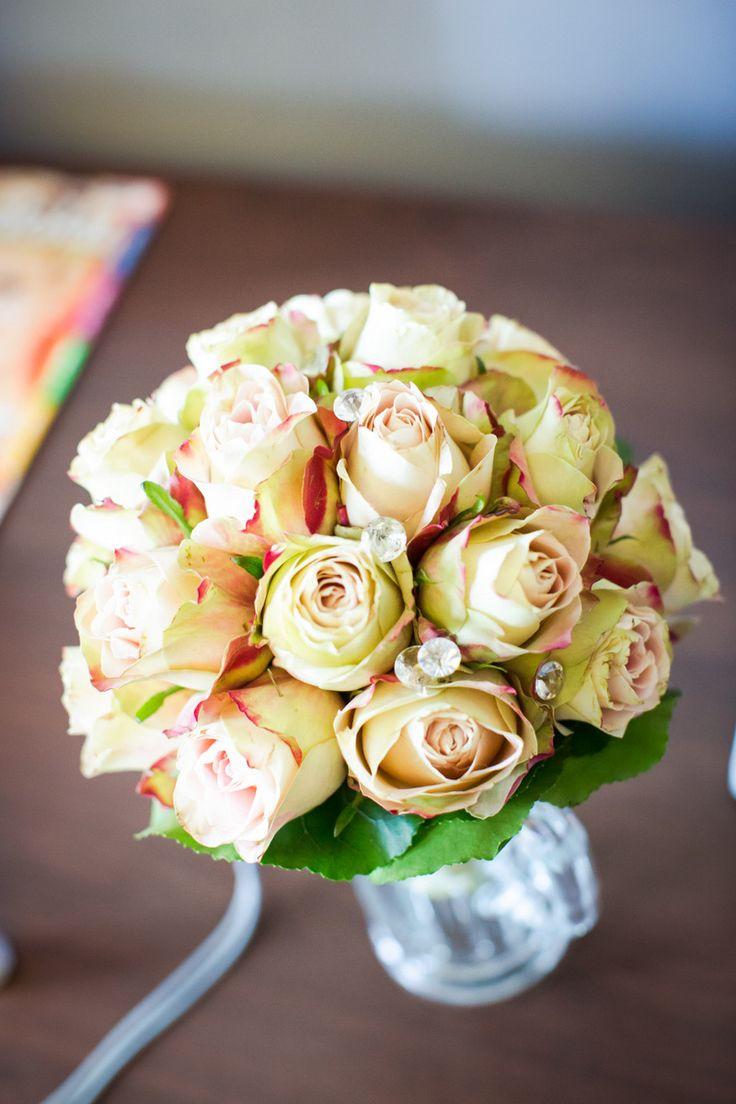 Brautstrauß aus Rosen #weddingflowers #braut #bride #hochzeit #wedding