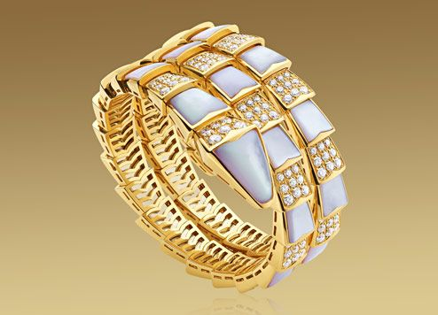 serpenti bracelet in 18kt yellow gold with mother of pearl and pav diamonds
