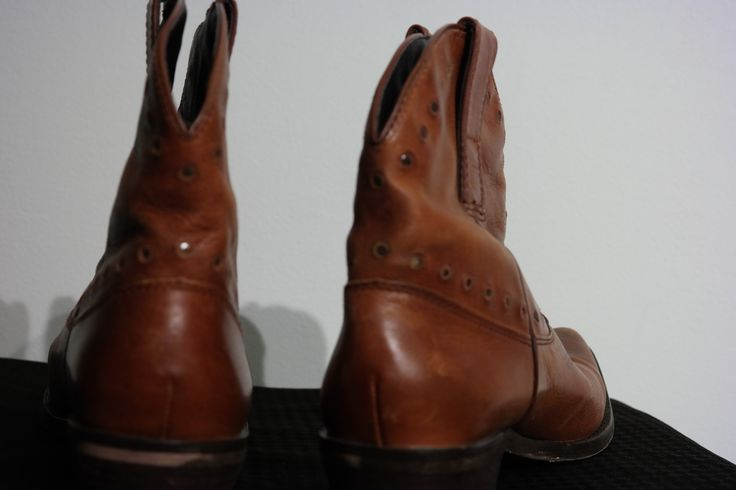 Genuine Womens Cowgirl Boots Size 7