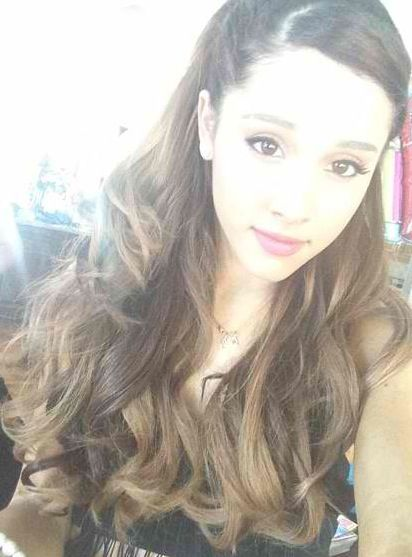 Ariana Grande's Instagram profile picture and my first pin ...